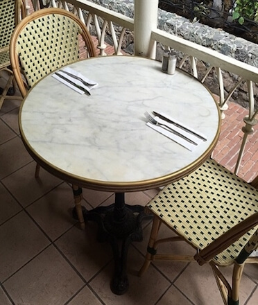 Parisian_bistro_brass_table